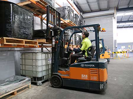 Student with Forklift Licence Melbourne at Trainix
