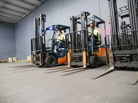 LF Forklift Students training at Trainix in Melbourne